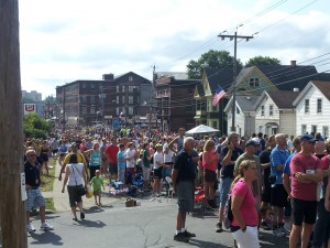 Crowd at the Boilermaker finish line